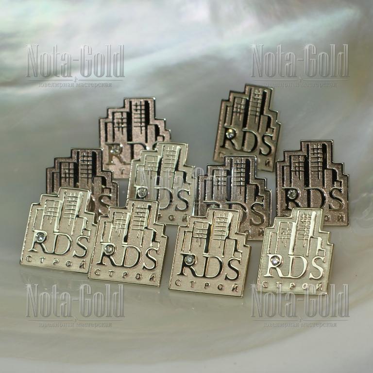 Золотые значки с бриллиантами