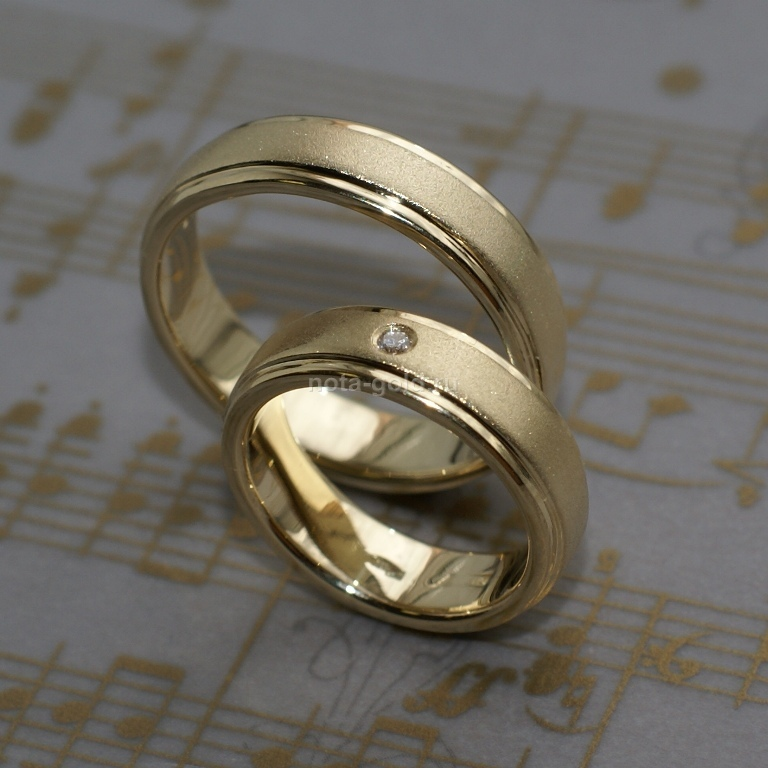 Обручальные кольца матовые