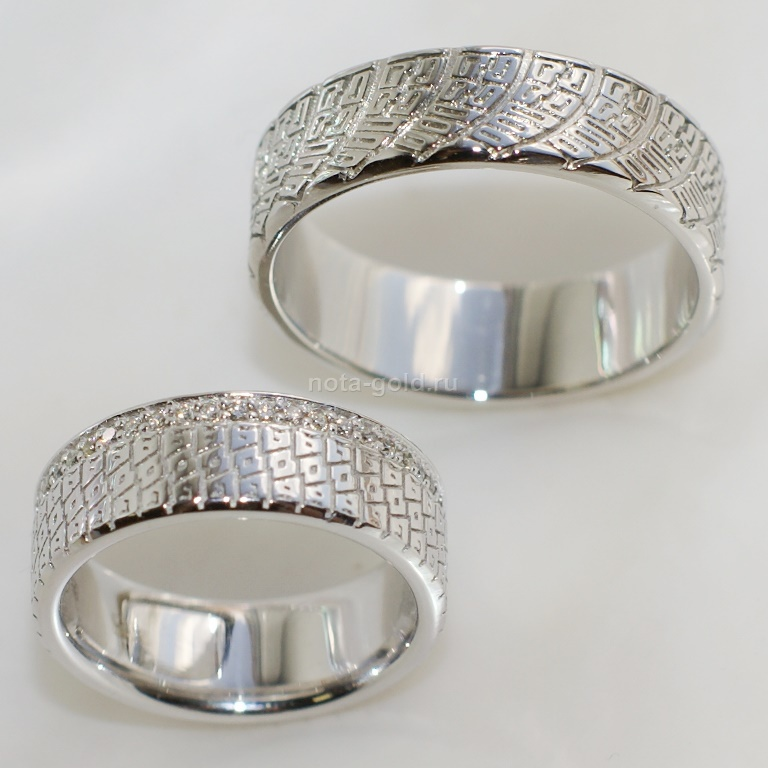Обручальные кольца с узором и орнаментом